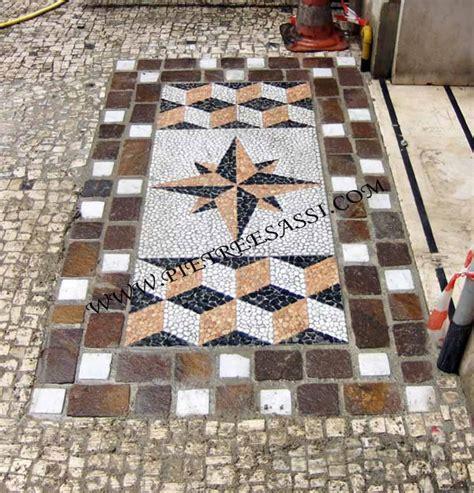mosaico per pavimenti interni mosaici di pietreesassi pietreesassi