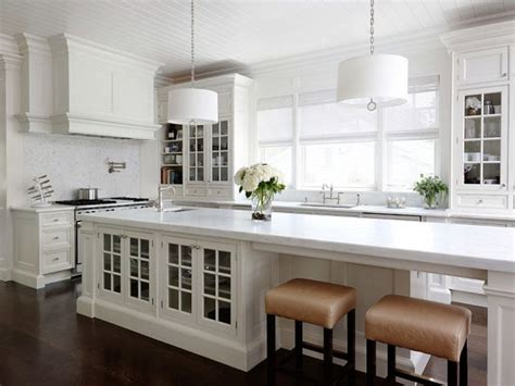 narrow kitchen island with seating best 25 narrow kitchen ideas on island