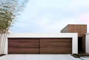Modern Garage Design porte de garage bois massif en 18 propositions originales pour votre