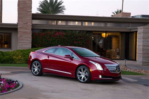 Cadillac Volt by Cadillac Elr Vs Chevy Volt Worth The Price Motor Review