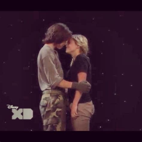 olivia holt and leo howard olivia holt pinterest olivia holt and leo howard almost kissing celebrities