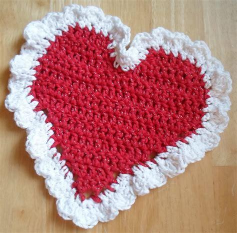 crochet pattern heart dishcloth happier than a pig in mud crochet heart dish cloth project 2