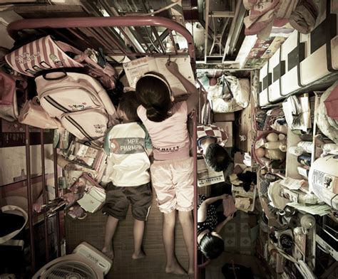Hong Kong Tiny Apartments | shocking photos of cred hong kong apartments viet