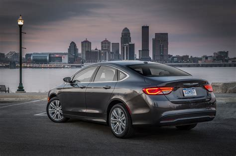 Chrysler 200 Limited by 2017 Chrysler 200 Reviews And Rating Motor Trend
