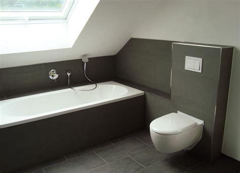 tipps für kleine bäder 4 quadratmeter badezimmer moderne badezimmer dachschr 228 ge moderne