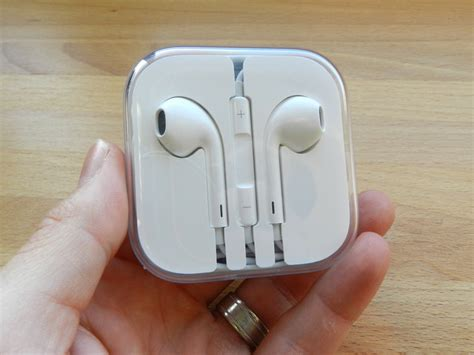 Accessories Ori Apple Earpods Lightning Connector Mmtn2 apple noise cancelling earpods may ship with next year s