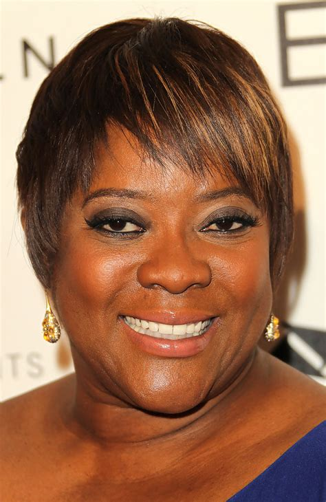 black actress in the 34 of a car liberty mutual commercial loretta devine in 4th annual essence black women in