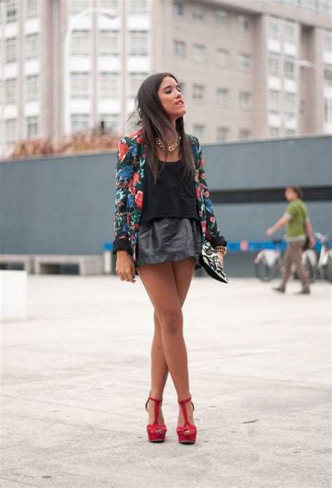 Floral Blazer Outfits for Women's Wardrobe   Pretty Designs