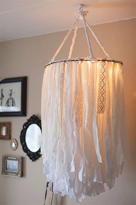 Diy Chandelier Frame 25 Best Ideas About Decorating Lshades On Diy Lshade Redo L Shades And
