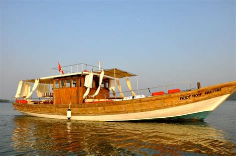party boat goa goa classic boat party sun set cruise boat rental