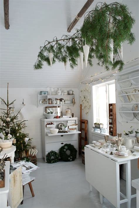 evergreen home decor 10 tips and tricks for decorating with evergreens