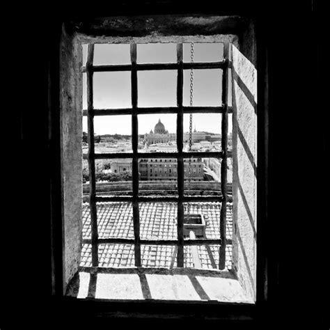 la gabbia inserzioni roma in gabbia foto immagini europe italy vatican