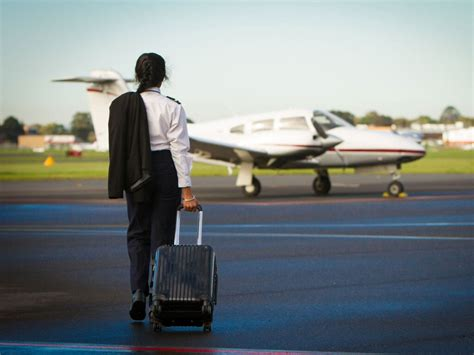 Jd Mba Salary Canada by Canada S Best Pilot Or Flying Instructor