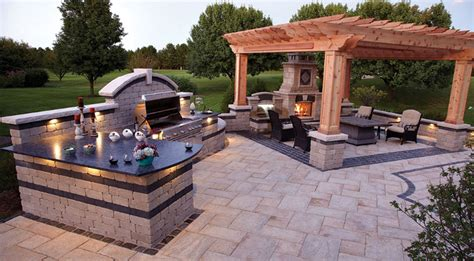custom outdoor living spaces outdoor patio designs