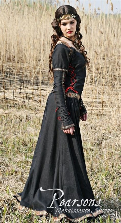 lady hunter medieval renaissance clothing costumes