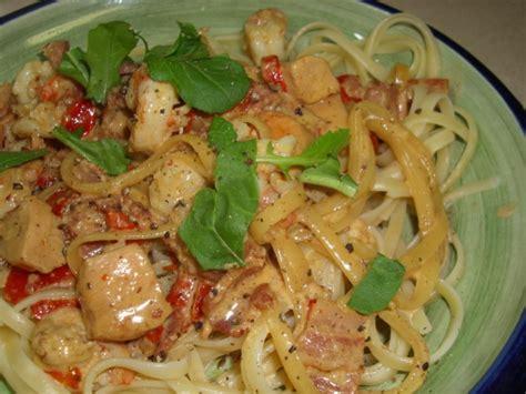 Chicken Carbonara Olive Garden by Olive Garden Chicken And Shrimp Carbonara Recipe Genius