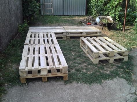 Sofa Kayu Bekas a membuat sofa dan meja dari kayu palet bekas yang murah