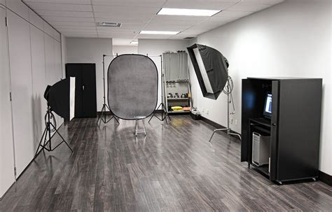 Light Room Photo Studio photographic studio
