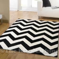Chevron Black And White Rug Dazzle Black White Chevron Zig Zag Modern Designer Floor Rug 160x230c