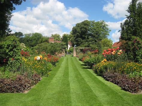 giardini inglesi jardin et gazon anglais optez pour le style so