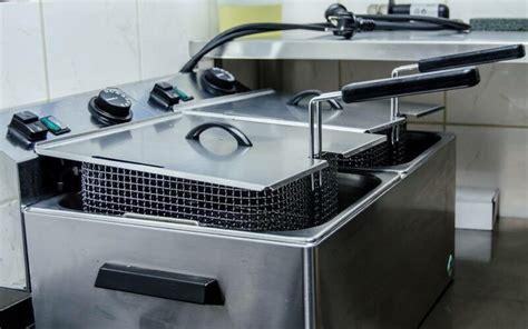 zonnebloemolie door toilet vette tip hier kun je je gebruikte frituurolie inleveren