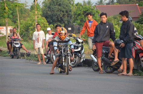 Kaosbajutshirt Balap Drag Bike 201 M balapan liar motor drag bike kawasaki vp mboted vs panca artha
