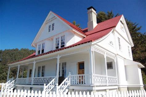 lighthouse bed and breakfast b b picture of heceta head lighthouse bed and breakfast