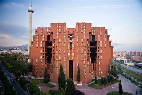 Modern Living Spaces Case Study 2 Walden 7 Mas Context