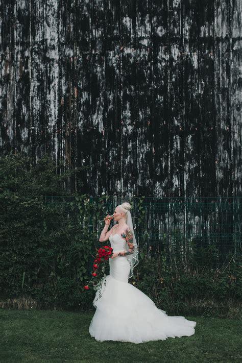 Backyard Wedding For 50 Chilled Swedish Backyard Wedding 183 Rock N