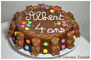 g 226 teau d anniversaire pour enfant au chocolat et aux bonbons