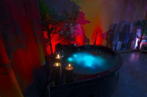 Hawaiian Themenzimmer by Wellness Romantik Erotik Whirlpool Afrika Dschungel