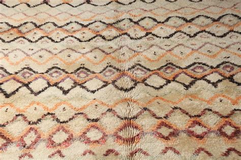beni ourain moroccan rug vintage beni moroccan ourain rug at 1stdibs