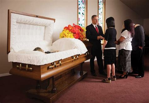 traditional burial funeral home service graveside and
