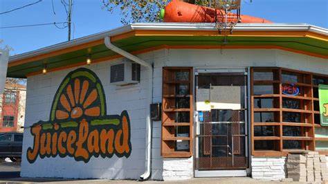 Austin's JuiceLand Is Bringing Hippie Healthy Juices And Vegan Fare To Dallas Next Year   Eater