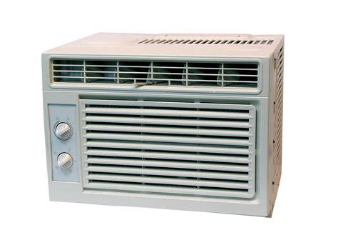 5000 btu window air conditioner energy efficient comfortaire window air conditioner 5 000 btu tronix