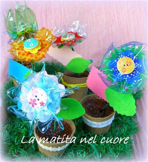 sbocciano i fiori di tutti i colori fiori in plastica