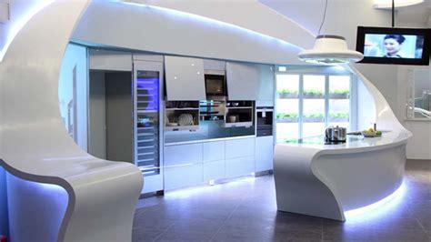 une cuisine design futuriste vue par les yeux des