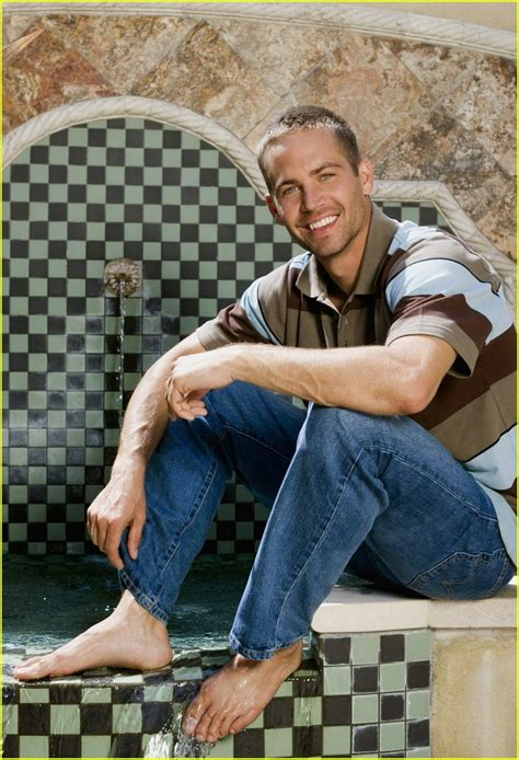 full sized photo of paul walker shirtless10 photo 313351