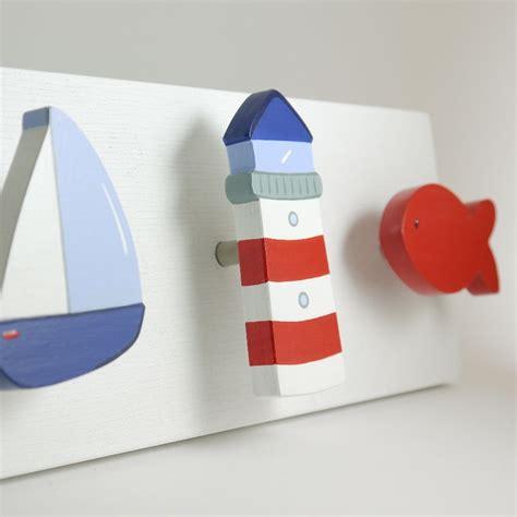bild kinderzimmer segelboot maritime m 246 belkn 246 pfe ob segelboot leuchtturm oder fisch