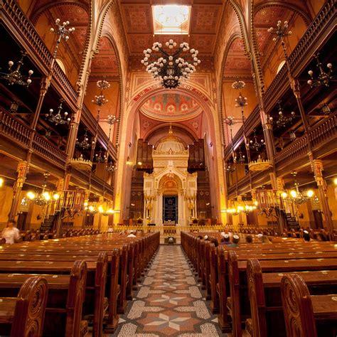 interior layout of a synagogue panoramio photo of dohanyi synagogue interior panorama