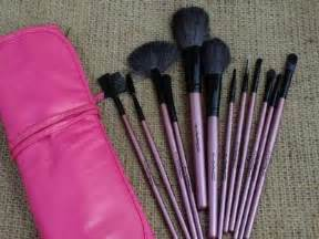 Promo Kuas Mac Isi 7 Warna Brush Set Mac Kuas Make Up Mac Isi 7 brush set anoashop kosmetik dan kutek murah