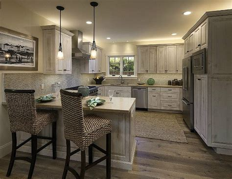 small kitchen peninsula ideas 25 best ideas about kitchen peninsula design on pinterest
