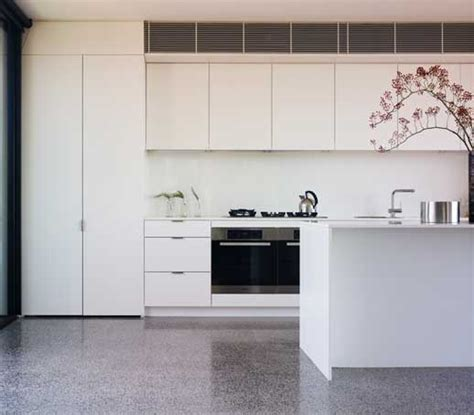 Standard Kitchen/Living/Dining   Intermode. Exceptional