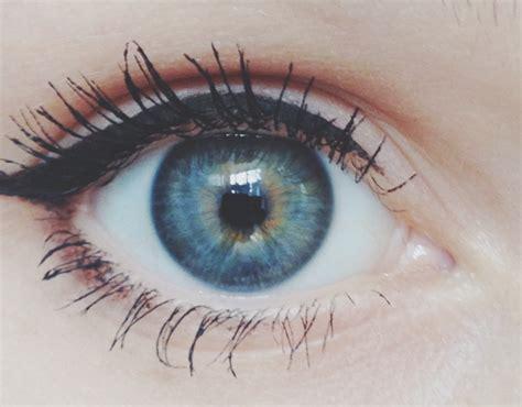 matita nera interno occhi come mettere la matita degli occhi