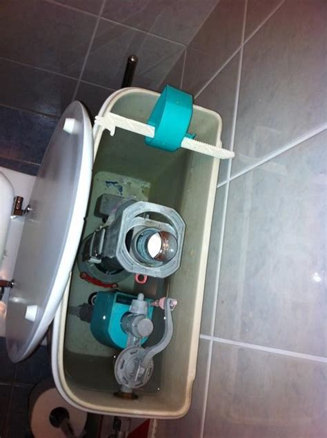 binnenwerk stortbak toilet vervangen duoblok binnenwerk repareren werkspot