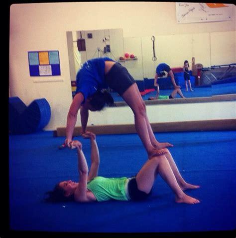 imagenes de gimnasia yoga pin de ellie rathe en stunts pinterest gimnasia