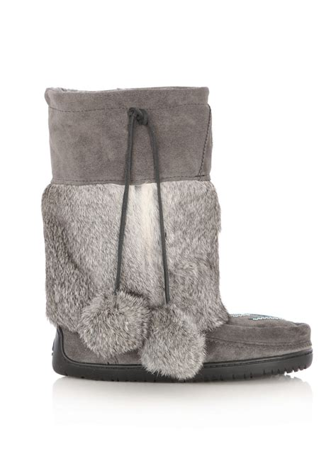 manitobah mukluks suede and rabbit fur boots in gray grey