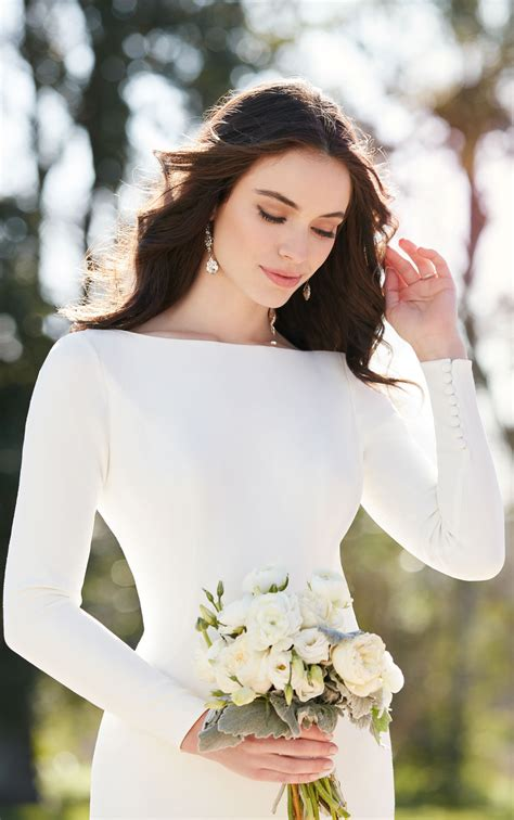 Simple Boho Long Sleeve Wedding Dress