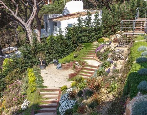 imagenes de jardines en terrenos inclinados jard 237 n en pendiente junto al mar landshaft empresa de