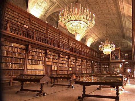 libreria braidense tagli al personale e vertici azzerati l autonomia perduta